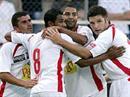 Sions Adel Chedli, Jamal Alioui, Saborio und Zaki jubeln nach dem Tor zum 1:0.