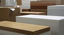 Importiertes Holz ist billiger.