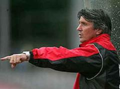 Xamax Trainer Gerard Castella .