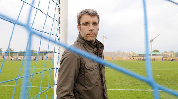 Peter Knäbel, Technischer Direktor SFV, beobachtet die Top-Mannschaften der EM vor Ort.