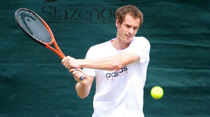 Andy Murray duelliert sich heute in Wimbledon mit Roger Federer.