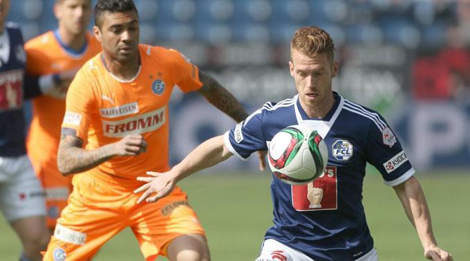 GCs Caio gegen Oliver Bozanic vom FC Luzern.