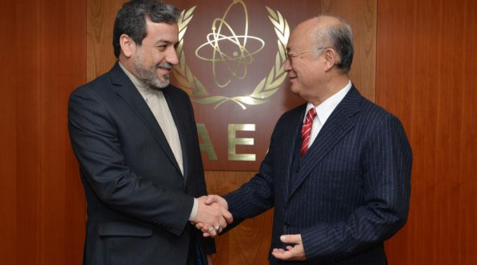 Irans Vizeaussenminister Abbas Araghchi, hier mit IAEA-Generaldirektor Yukiya Amano. (Archivbild)